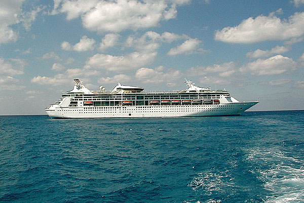 7-Day Bermuda Cruise & 10-Day Panama Canal Sunfarer to Caribbean