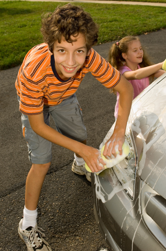 kids make money by washing cars