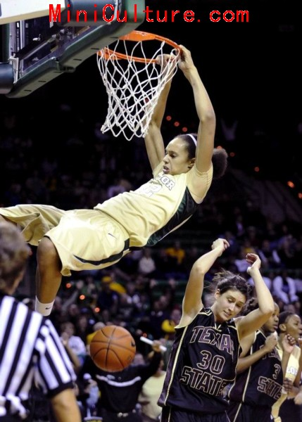 Baylor phenom and women's hoops: poor sportsmanship in the making